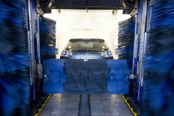 AGVS/UPSA - Toilette de printemps: Pour que la voiture soit de nouveau d'aplomb