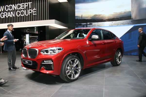 GIMS 2018, Salon international de l'automobile de Genève,  BMW