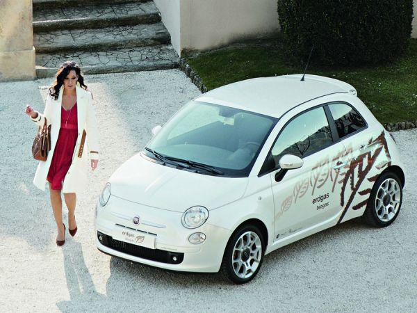 Yangzom Brauen et sa Fiat 500 Turbo au gaz naturel