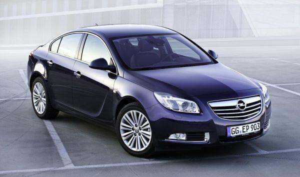 Opel Insignia, année modèle 2012 : Nouveaux moteurs et équipement Premium