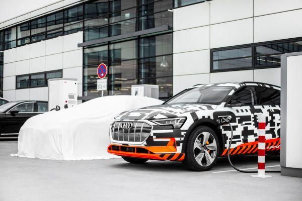Audi e-tron coup d'envoi de l'offensive électrique d'Audi