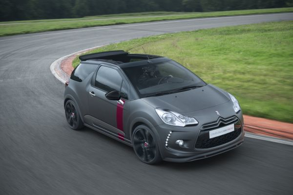 Citroën lanciert den DS3 Cabrio Racing als limitierte E