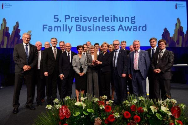 AMAG: FRAISA SA remporte le Family Business Award 2016