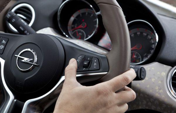 Opel ADAM avec commande vocale interactive:  La meilleure de sa catégorie
