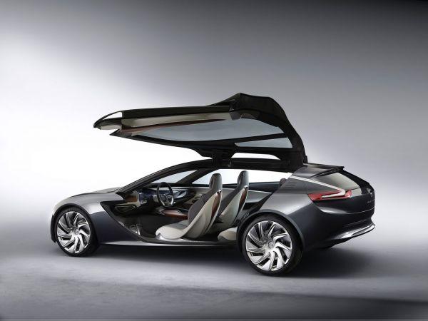 Opel Monza Concept : multimédia et connectivité