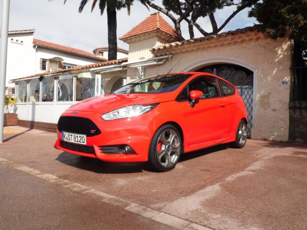 Ford Fiesta ST – puissante, rapide, venimeuse