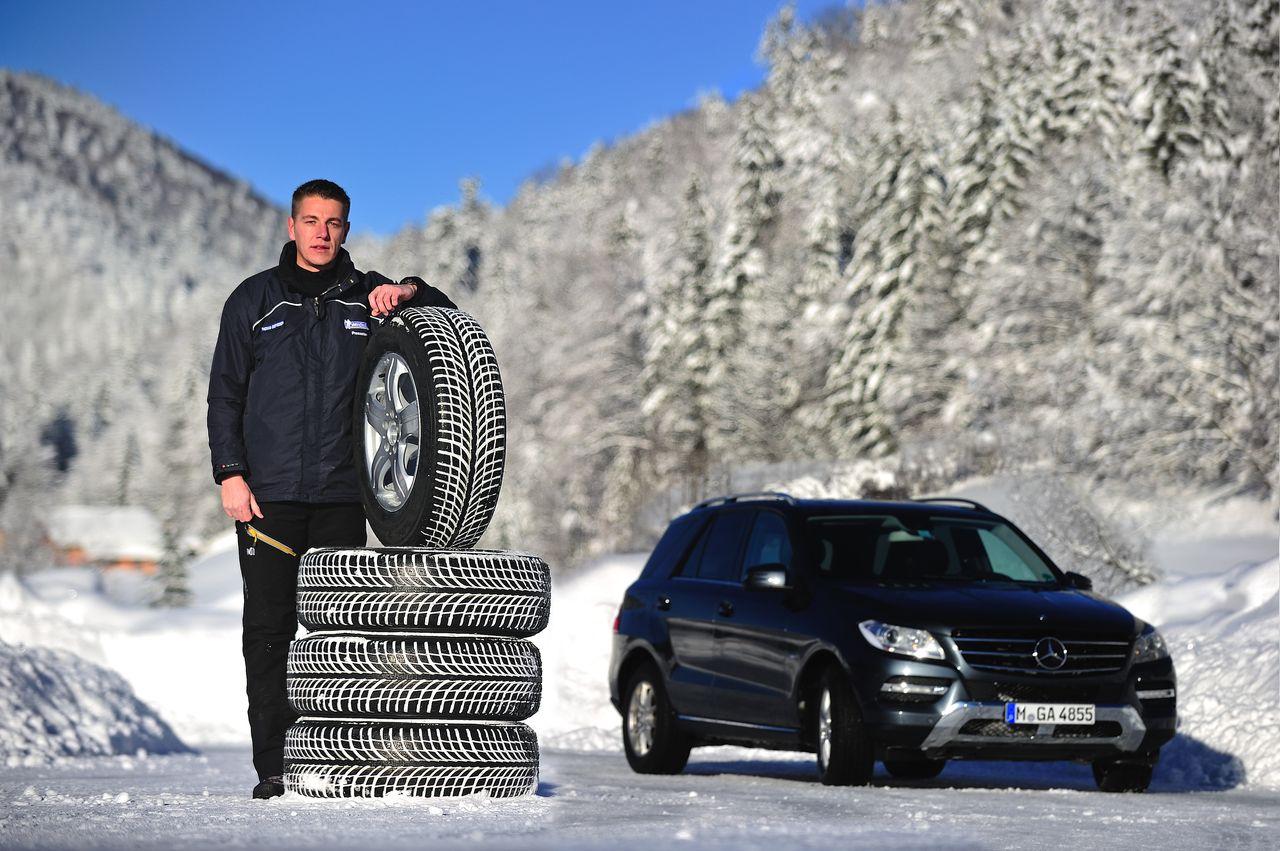 tcs distance de freinage doubl e avec des pneus d 39 t sur la neige road and motors. Black Bedroom Furniture Sets. Home Design Ideas