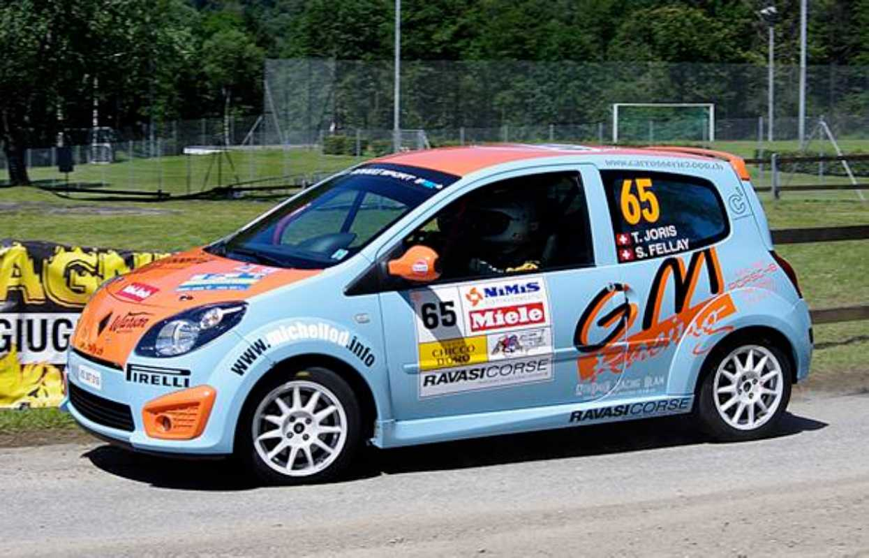 twingo r1 pirelli swiss trophy 2011 rallye du tessin road and motors. Black Bedroom Furniture Sets. Home Design Ideas